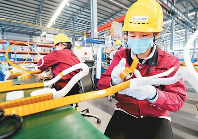 高新技术企业复工生产忙