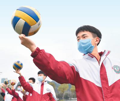 贵州省各所中学初三、高三学生开学