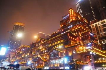 夜间消费最活跃的前十个城市有深圳、广州、北京等